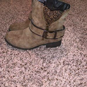 Jellypop Shoes - Brown booties 6